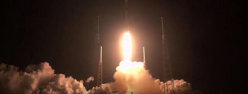 A SpaceX iniciou o lançamento de seu sistema de banda larga em órbita