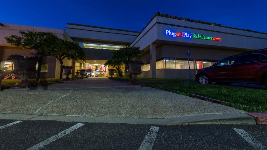 Empresa aceleradora do Vale do Silício, Plug and Play chega ao Brasil